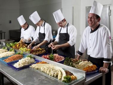 happy-chefs-in-kitchen5